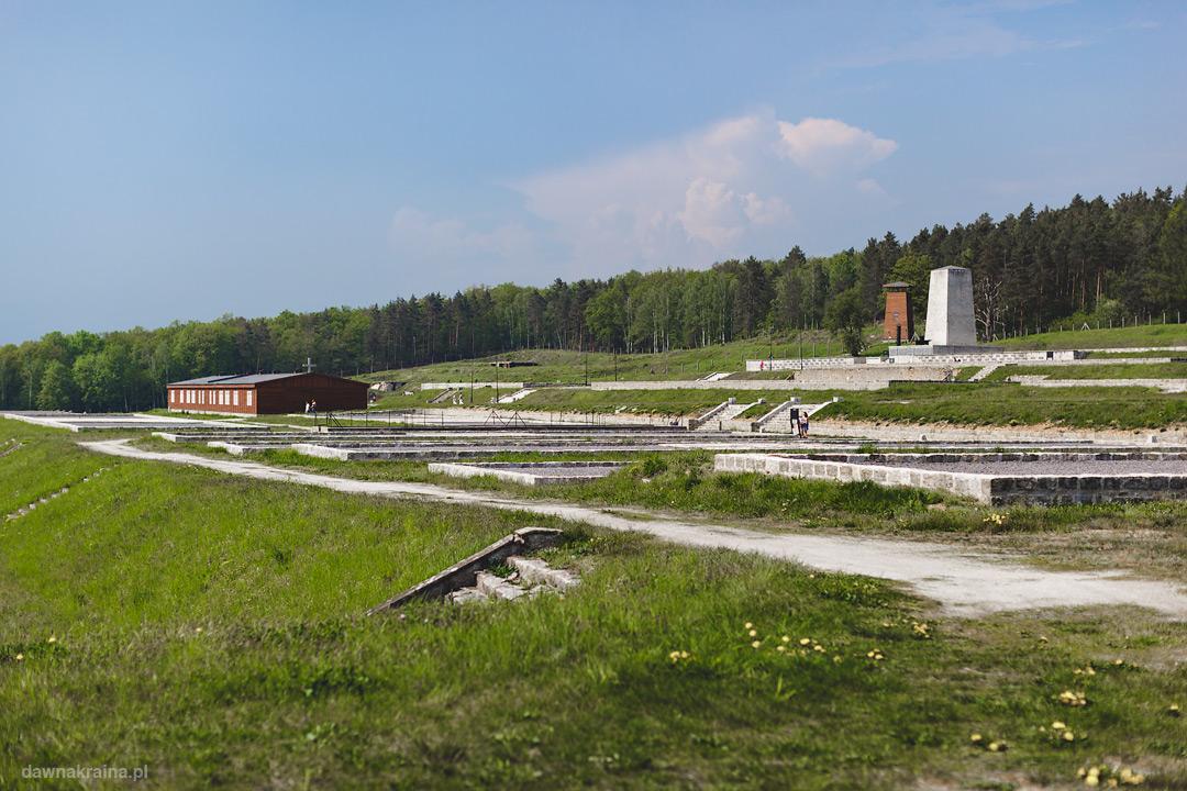 Pozostałości po budynkach na terenie obozu KL Gross-Rosen
