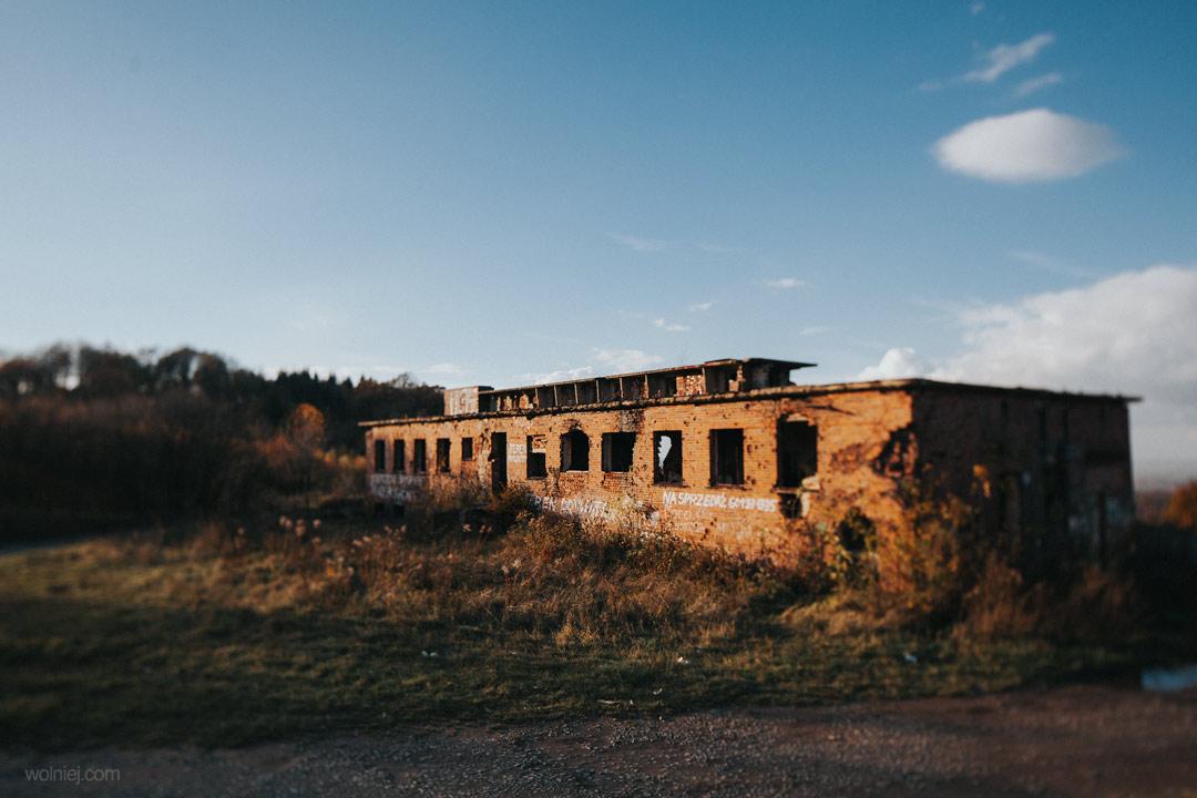 Radiostacja Rudiger 2 i widok na okolicę i budynek