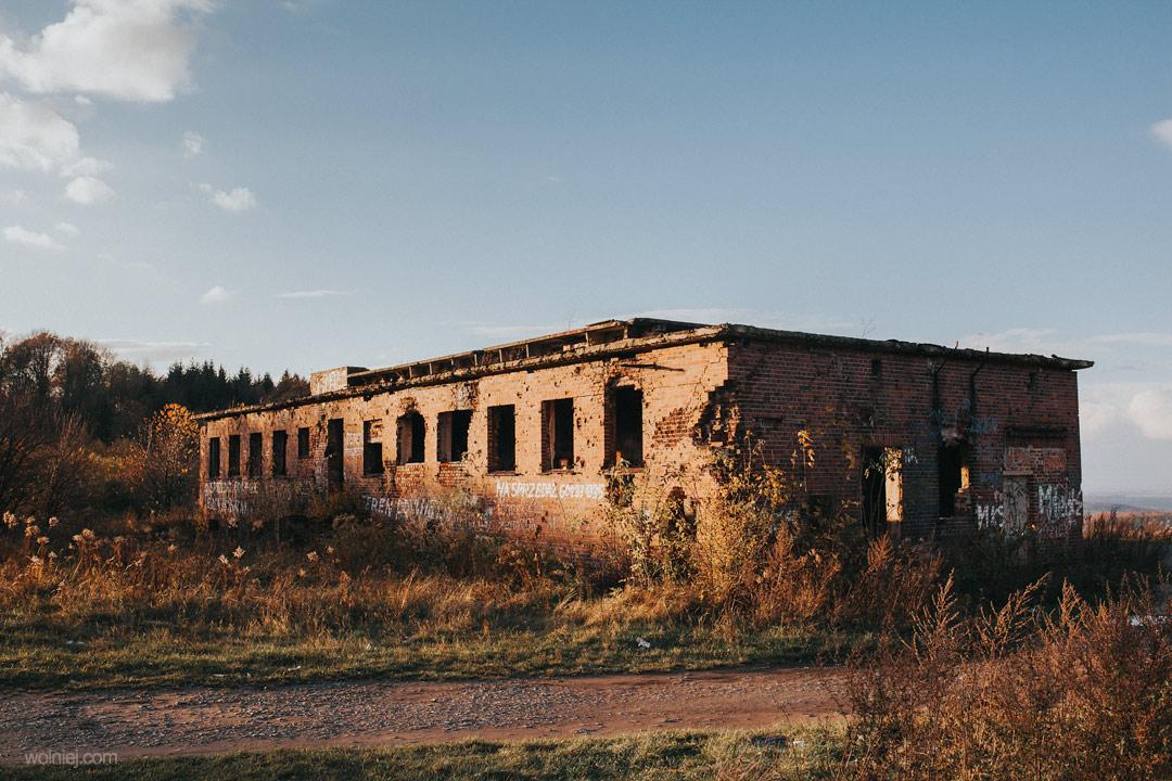 Kolejny widok na budynek Radiostacji Rudiger