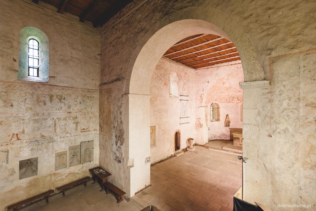 Jeden z dwóch portali. Romański Kościół św. Jana i Katarzyny w Świerzawie