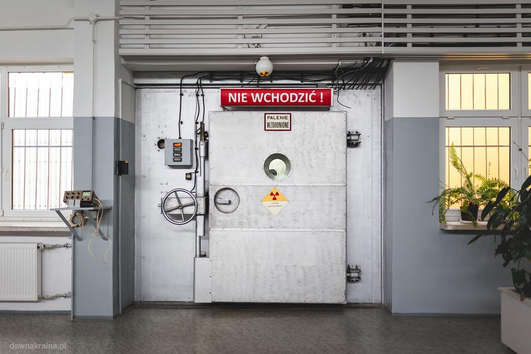 Drzwi do komory reaktora Maria w Świerku