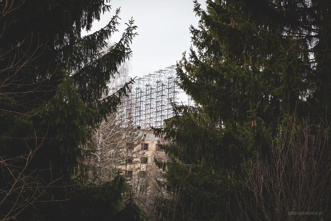 Widok na radar Duga z cywilnej części miasta Czarnobyl 2