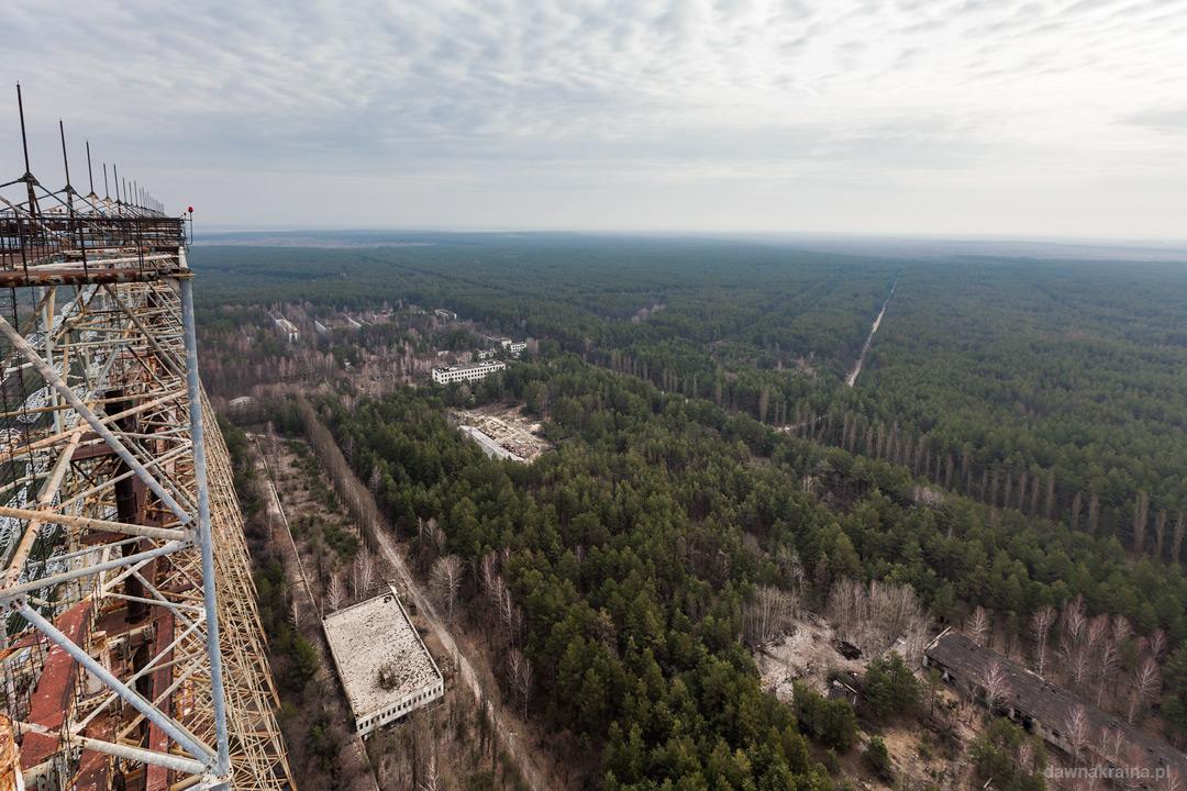 Na szczycie Radaru Duga zwanego Okiem Moskwy w kompleksie Czarnobyl 2