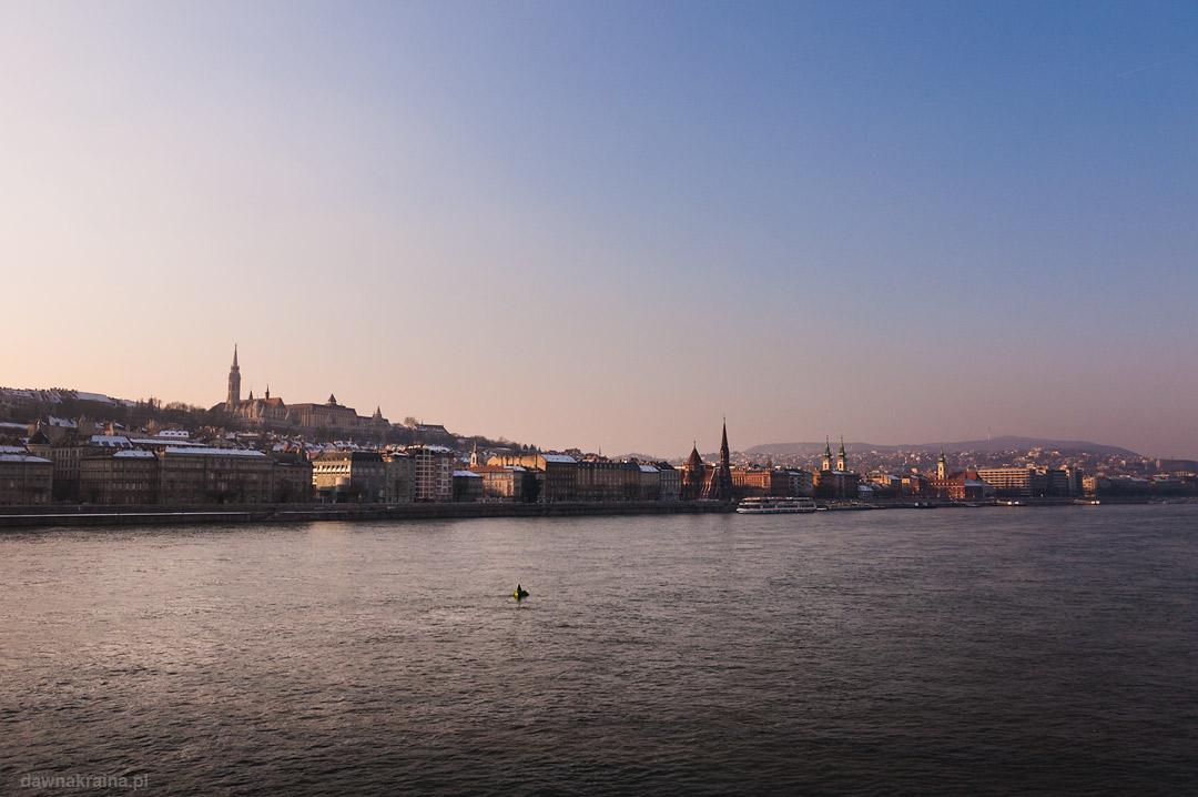 Widok na Dunaj i Budapeszt zimą