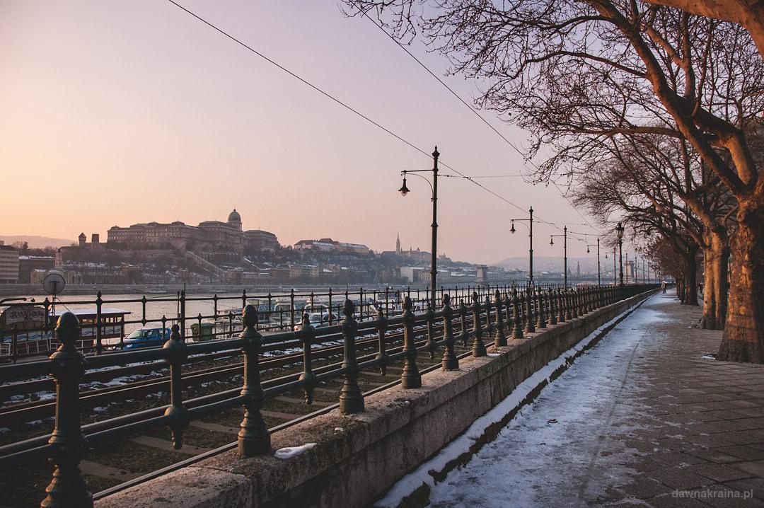 widok na Zamek Królewski i Dunaj w Budapeszcie.