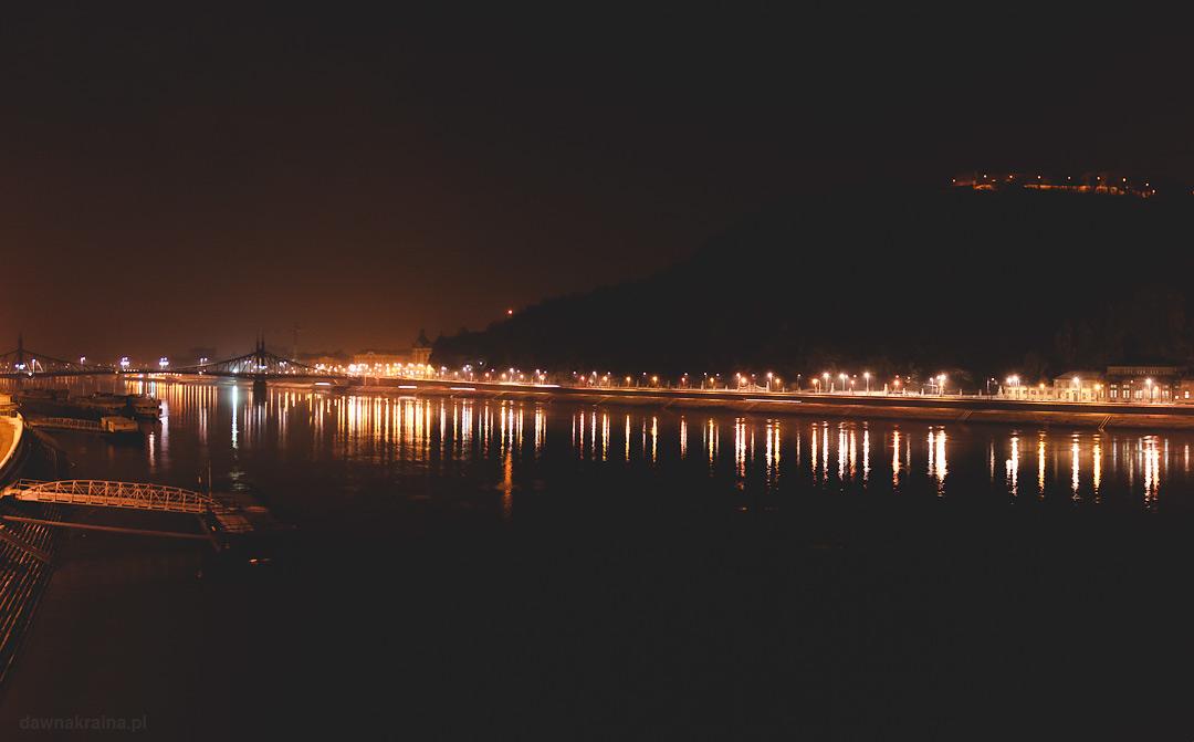 Budapeszt i widok na Dunaj nocą