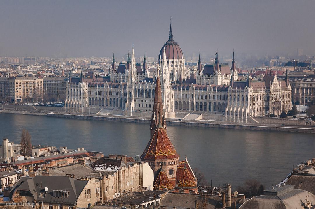 widok na parlament w Budapeszcie