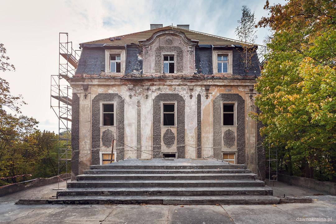 Pałac w Piszkowicach.