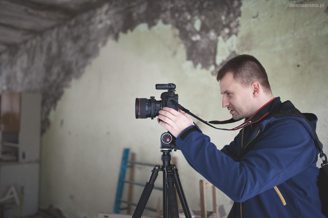 Canon tiltshift TSE 24 3.5L II na głowicy 3D Junior i statywie Sirui N2004 no i ja :)