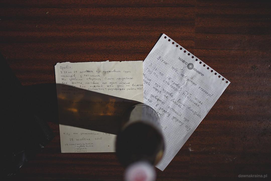 Jeden z pokoi w Prypeci z listem od stalkerów