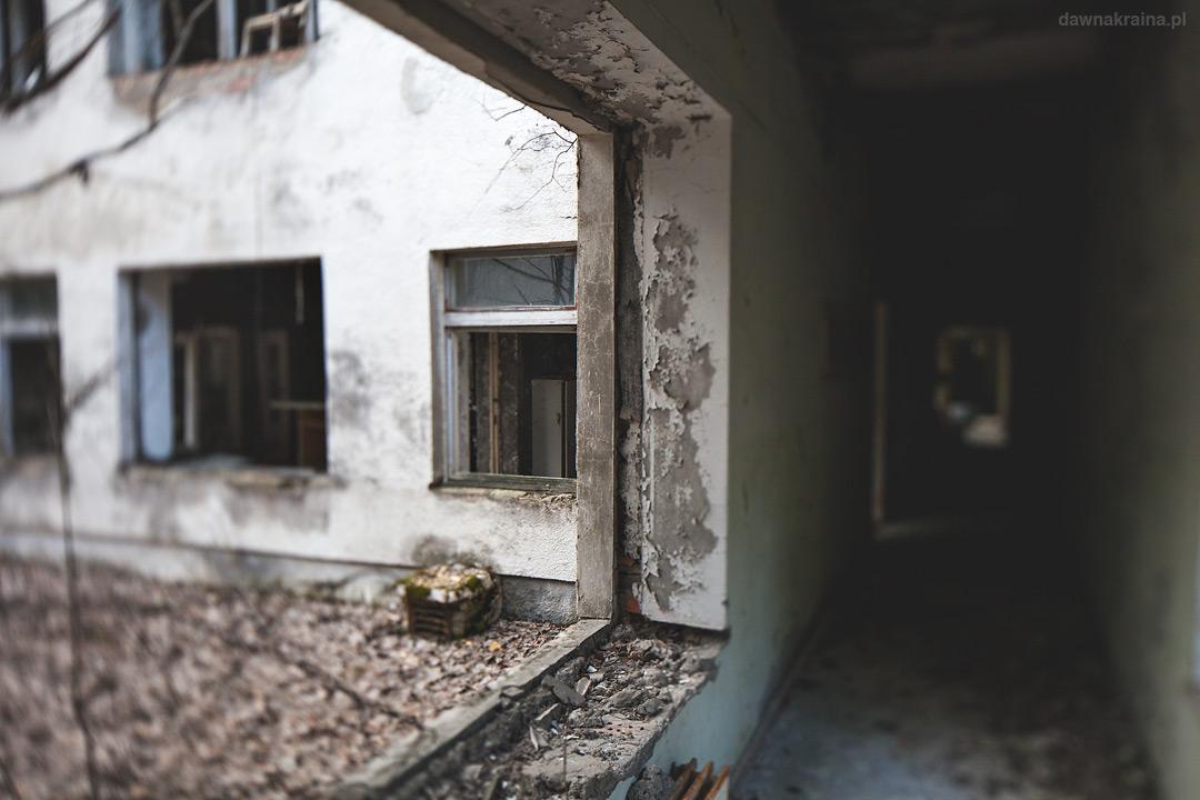 Przedszkole Czeburaszka w Prypeci, widok na wewnętrzny plac.