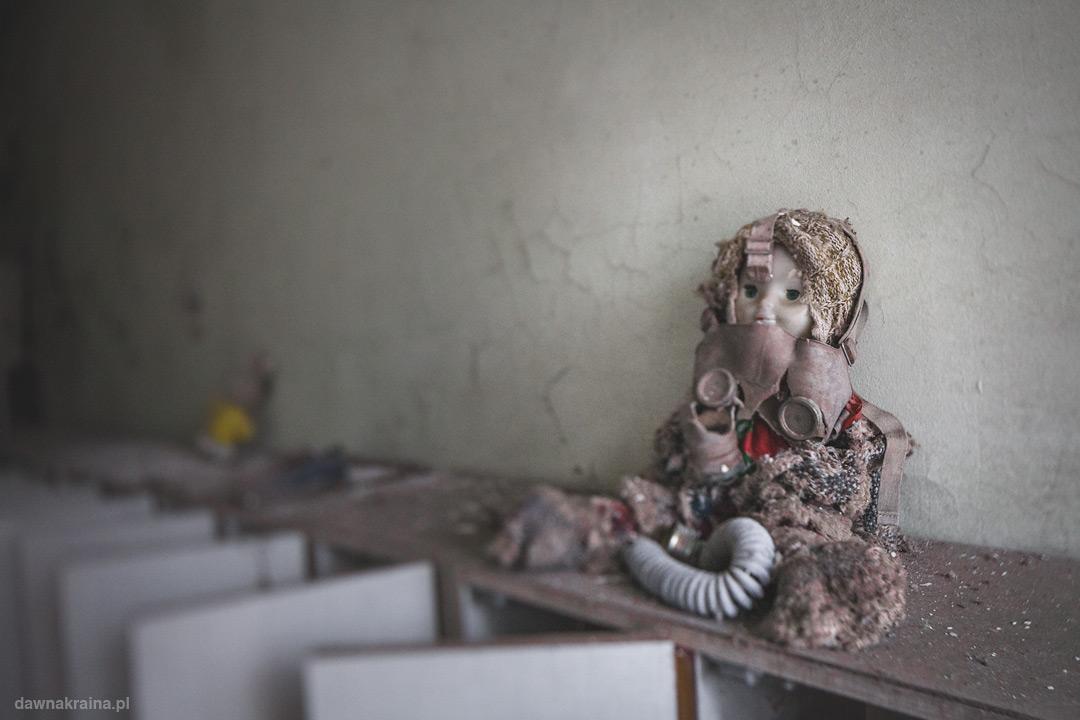 Post apokaliptyczna Lalka w przedszkolu Czeburaszka