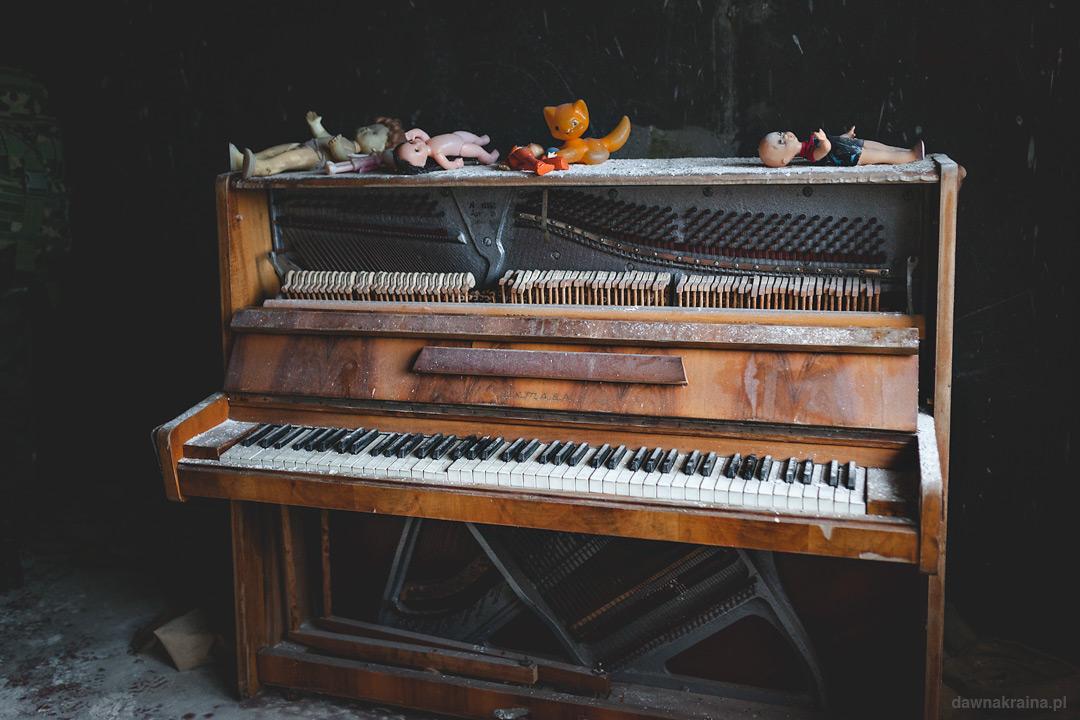 Pianino w dobrym stanie w jednym z mieszkań w Prypeci