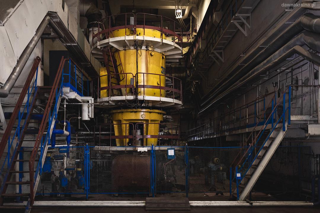 Hala turbin w trzecim bloku reaktora w Czarnobylu