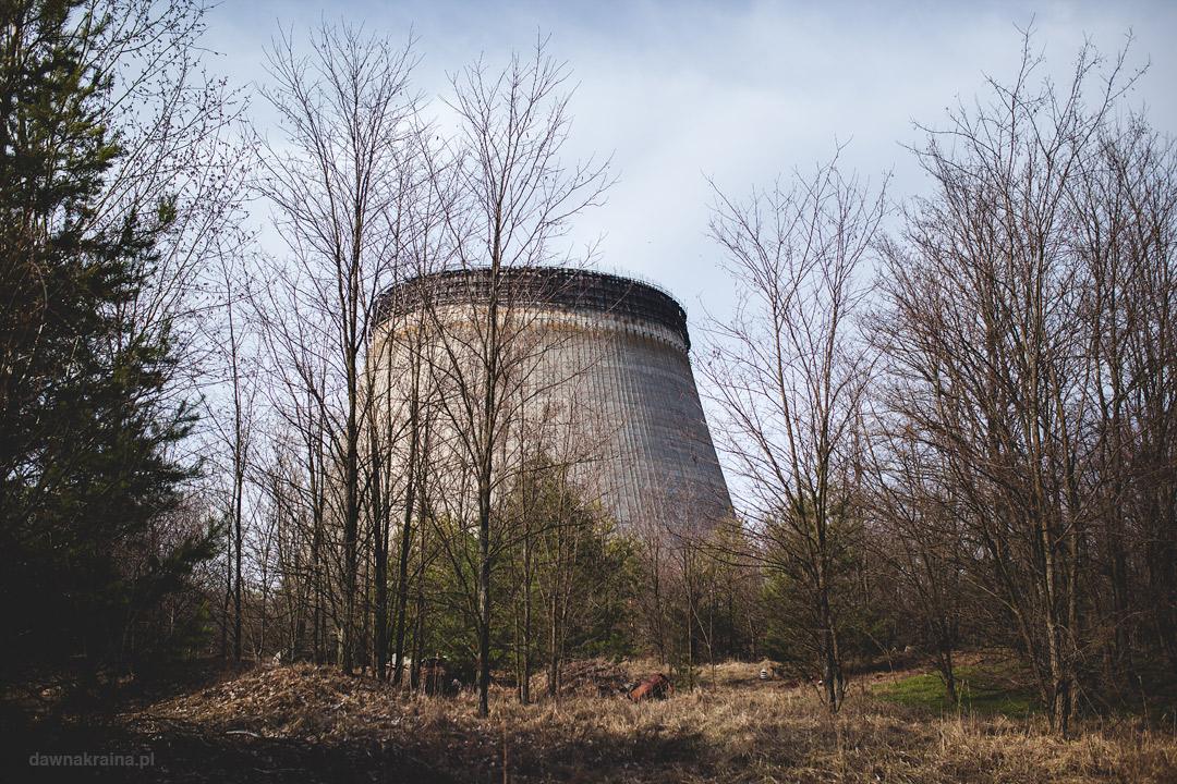 Wieże chłodnicze bloków 5 i 6 w okolicy elektrowni atomowej w Czarnobylu.