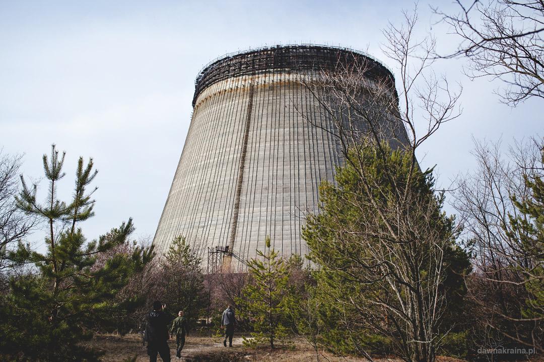 Wieże chłodnicze w okolicy elektrowni w Czarnobylu