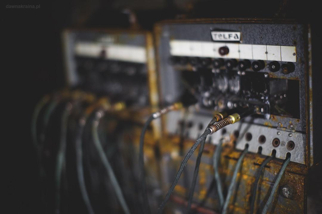 Centrala telefoniczna wewnątrz Kompleksu Rzeczka. Wizyta w kompleksie Rzeczka w Walimiu.