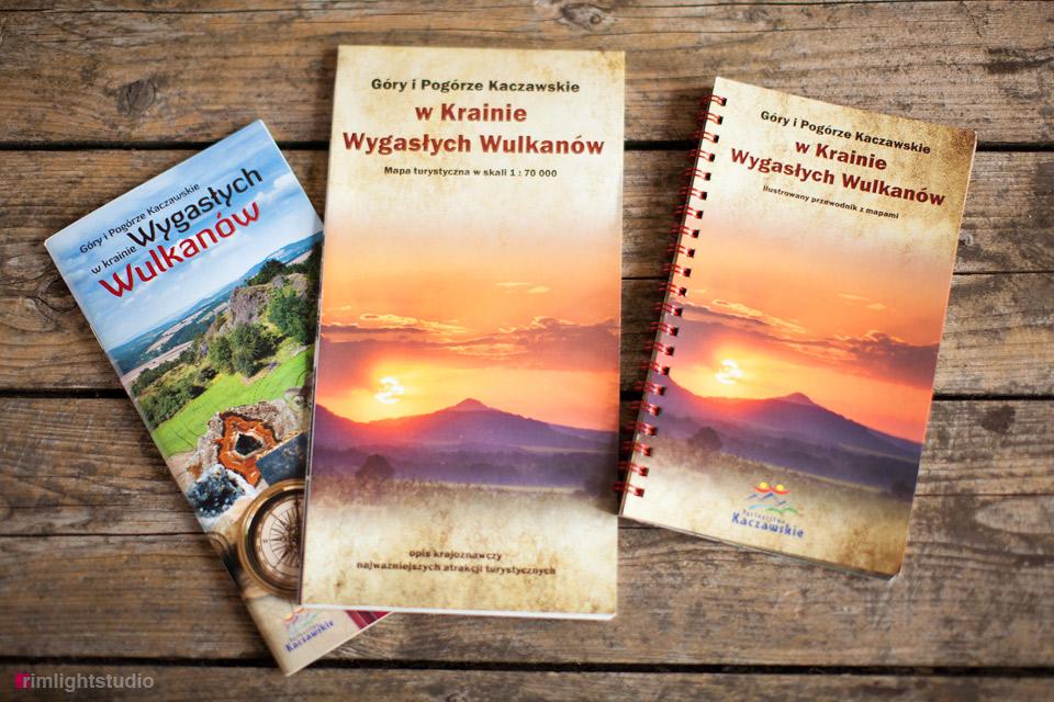Przewodnik i mapa turystyczna po Krainie Wygasłych Wulkanów
