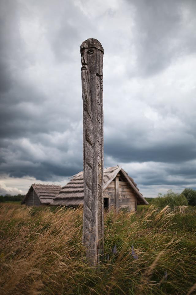 Grodzisko Żmijowiska - budowa pieca szklarskiego