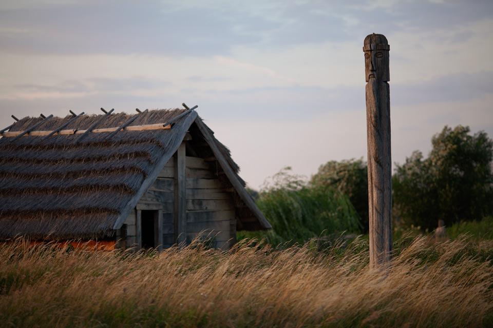 Grodzisko Żmikowiska - budowa pieca szklarskiego