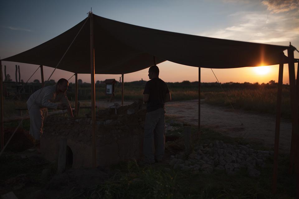 Żmijowiska, wyjątkowe grodzisko, budowa pieca szklarskiego