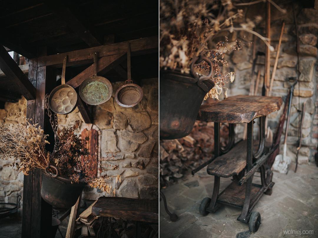 Detale i wyposażenie w zamku Stara Baśń