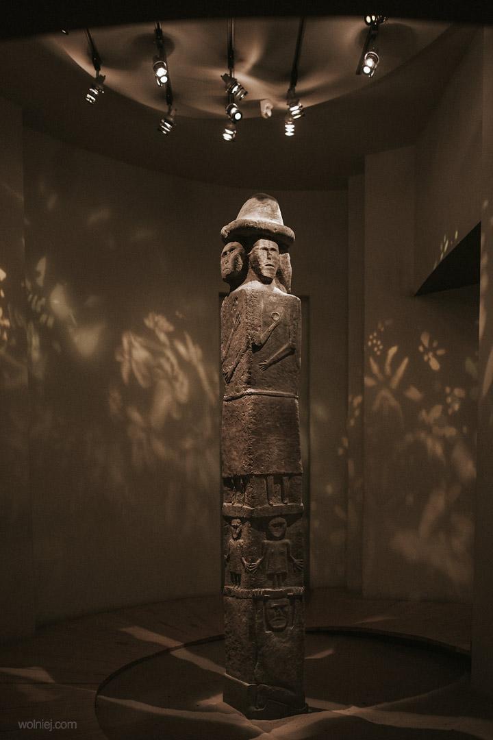 Posąg Światowita w Postacie w Muzeum Archeologicznym w Krakowie
