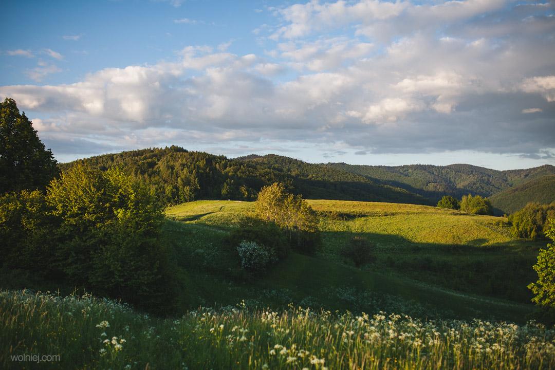 Widok ze wzgórza na Woli Kroguleckiej